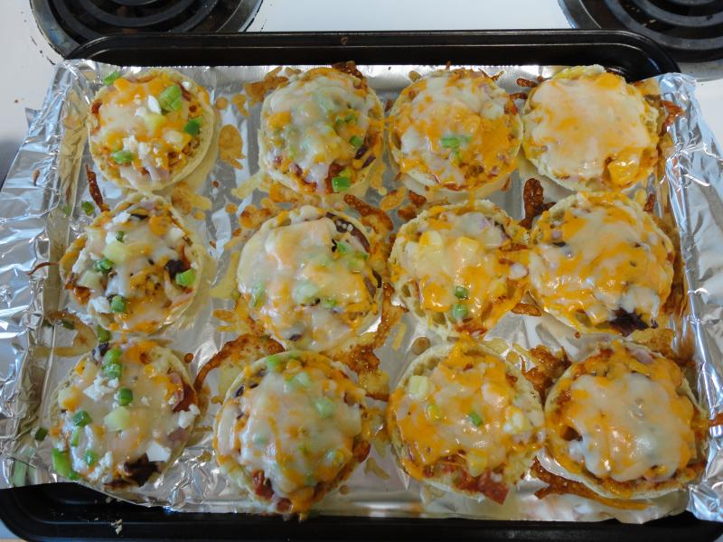 Mini Pizzas made with English muffins